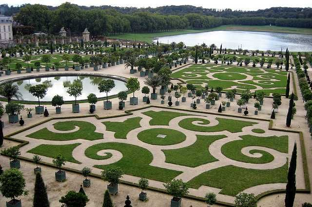Les plus beaux parcs et jardins de France | Lonely Planet                                              Park at Versailles Palace