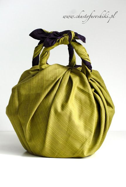 Traditional style of packing developed in modern style. It is stylish and different.