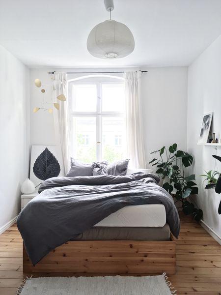 die besten 25 graues schlafzimmer ideen auf pinterest buntes schlafzimmer design grau. Black Bedroom Furniture Sets. Home Design Ideas