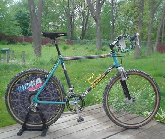 Oh The old days !    Vintage Yeti C-22 John Tomac bike - Tioga Disk Drive, Manitou Forks, Answer Stem, Drop Bars. The ultimate vintage Yeti?