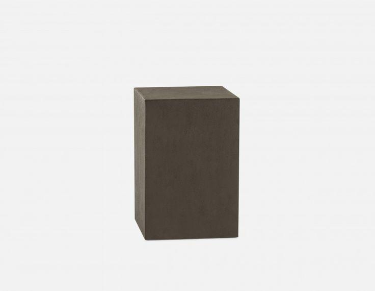 CONCRETE - Pedestal 18
