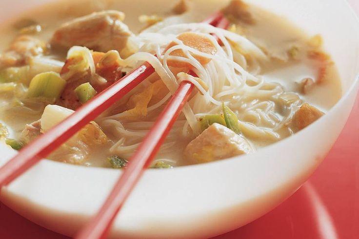 Kijk wat een lekker recept ik heb gevonden op Allerhande! Maleisische kippensoep