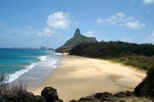 Vista das Praias da Cacimba do Padre, Quixaba, Bode e Americanos   Fernando de Noronha   Vaqueano