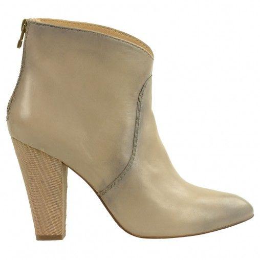 SACHA // anklebooties high heels €99,95 #sachashoes #beige