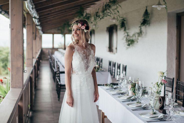 Dóri is wearing a Nora Sarman Bridal wedding dress