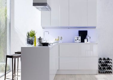 17 meilleures id es propos de meuble laqu blanc sur - Decorer cuisine toute blanche ...