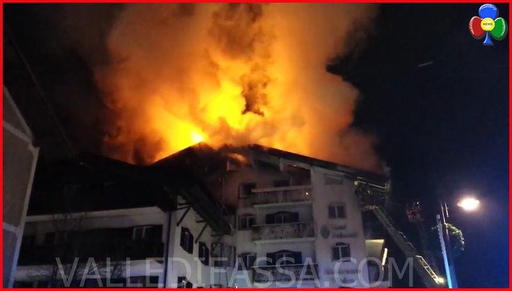 Pauroso incendio a Moena, brucia il tetto dell'Hotel Dolomiti