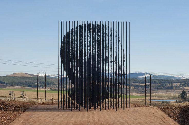 Incrível escultura homenageia Nelson Mandela em local onde foi preso pelo Apartheid