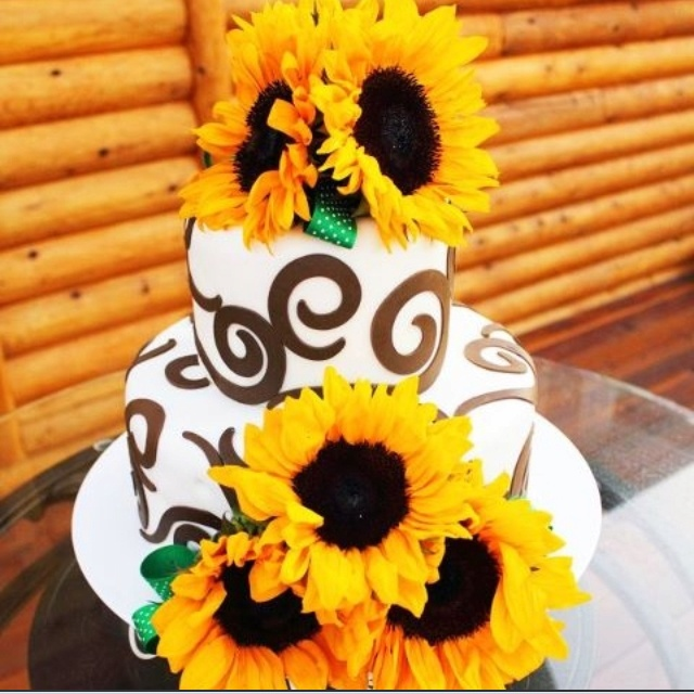 Decorated Cake Using Ring Tins