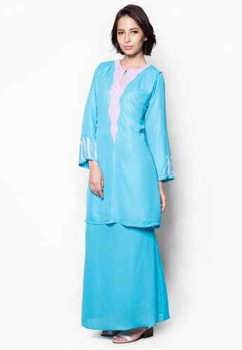 Embellished Baju Kurung from Aqeela Muslimah Wear in Blue Delightfully adorned with sequin and bead embellishments, this lovely baju kurung by Aqeela Muslimah Wear features a beautiful subtly shimmery finish. Look absolutely demure yet alluring in this stunning number.  Top  - Polyblend - Round neckline... #bajukurung #bajukurungmoden