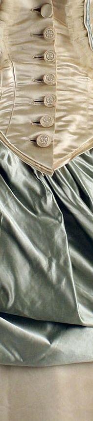 Платья для званых обедов, А.Корбе, Франция, 1873 г., и Лорд&Тейлор, США, 1877-83 г. Оба - из коллекции музея Метрополитан. Одно из моих самых любимых сочетаний цветов..