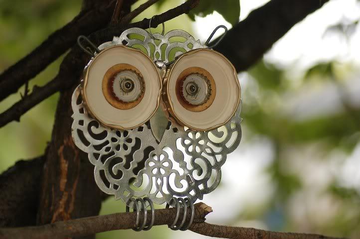 Doily Dot -- Kitchen Owl Series #15