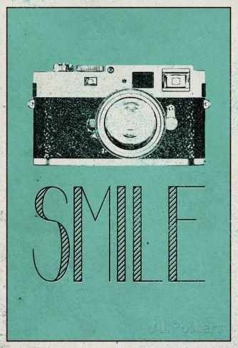 Smile Retro Camera Posters sur AllPosters.fr