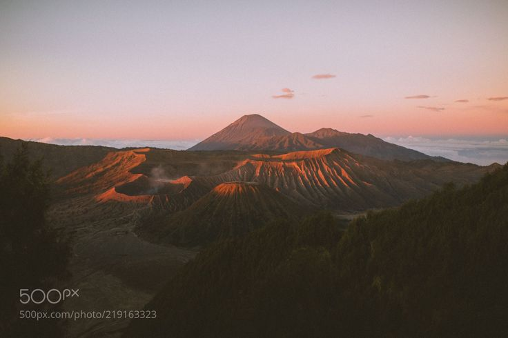 East Javanese sunrise.. (Berty Mandagie / Seattle / United States) #Canon EOS 5D Mark III #landscape #photo #nature