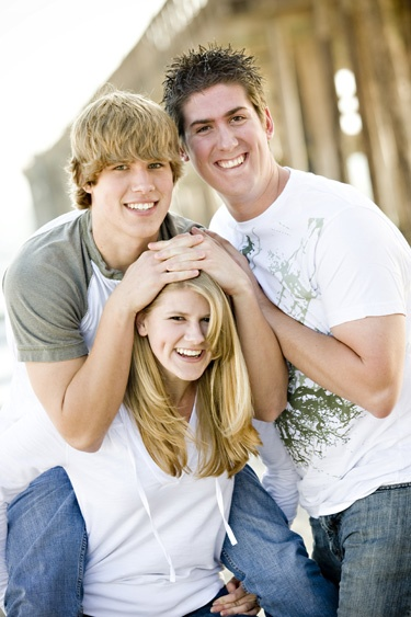 Google Image Result for http://www.katiemoos.com/albums/blog/20090420/family_portraits_thousand%2520oaks_02.jpg