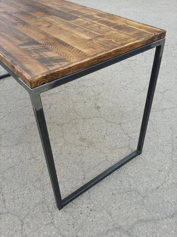 Diy Pallet Desk With Flat Box Metal Legs Pallet Desk Wood