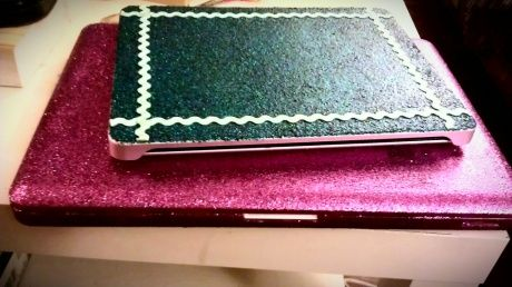 glitter your laptop! and it stays! yesss:)