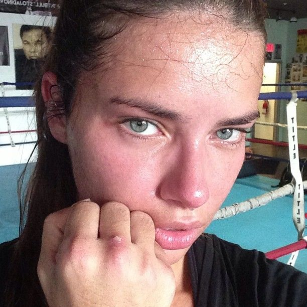 Adriana Lima, boxing and working out hard for her body. See, it's not magic, even for supermodels :)