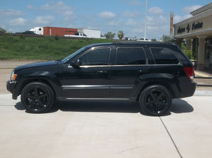 jeep rims black jeep grand cherokee with gloss black. Black Bedroom Furniture Sets. Home Design Ideas
