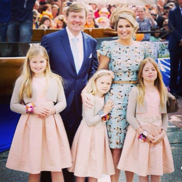 #dutchroyals #dutchroyalfamily #willemalexander #maxima #amalia #alexia #ariane #king #queen #netherlands #holland #kingsday #koningsdag #Padgram