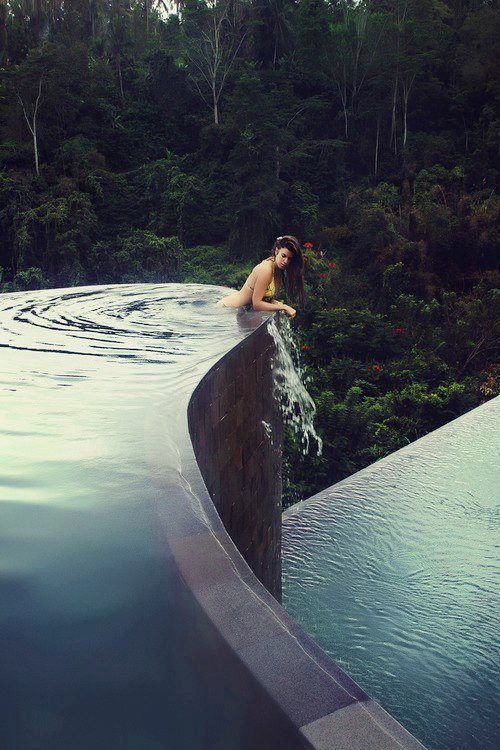 Hanging gardens in Bali.. first thing on my bucket list, sigh.