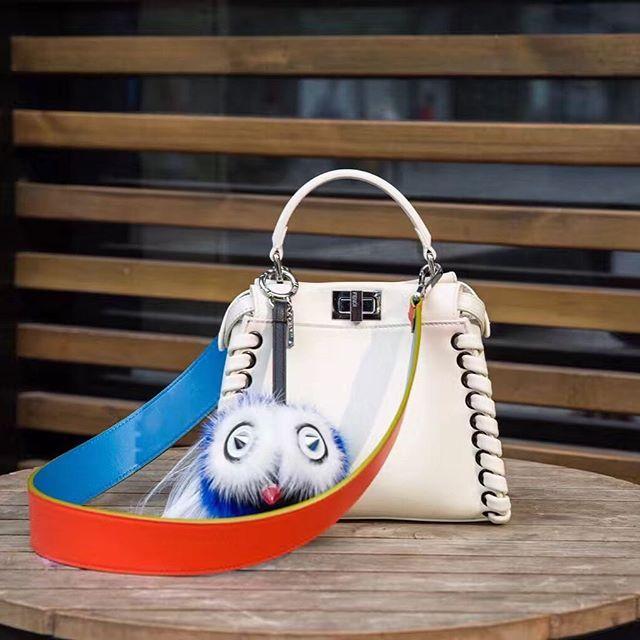【only_you316】さんのInstagramをピンしています。 《LINE ID: aimee.319 DMよりラインの方が早いです。 2つ以上の購入は追加割引可能。 基本付き品:1。財布 : 専用箱、専用袋、Gカード、該当ブランドのショッパー 2。バッグ : 専用袋、Gカード、該当ブランドのショッパー #chanel#シャネル#パロディ#ルブタン#dior#ルイヴィトン#夏#雨#ラブ#グッチ#サンダル#靴#スニーカー#コピー品#バーキン#エルメス#サンローラン#セリーヌ#ラゲージ#クロムハーツ#バレンシアガ#東京#j12#大阪#カルティエ#ロレックス#時計#旅行#海#フェンディfendi》