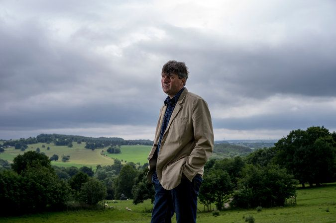 Simon Armitage, Oxford Poetry Professor, Finds Inspiration in the Mundane - The New York Times