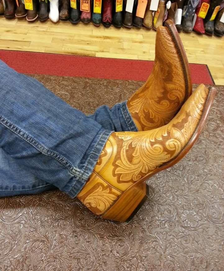 Cowboys & Cowboy Boots : Photo