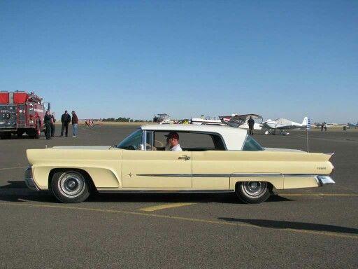 1958 Lincoln Premier 2-Door Hardtop