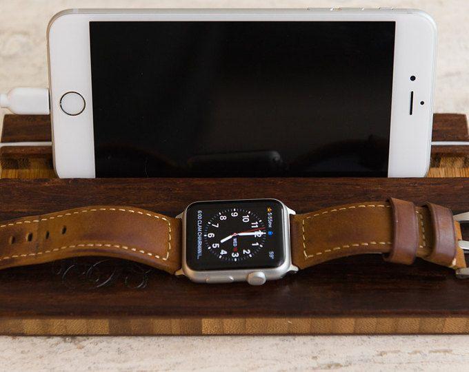 Estación Apple Watch Dock iPhone iWatch monograma personalizada hombres teléfono carga novio regalo iniciales de acoplamiento
