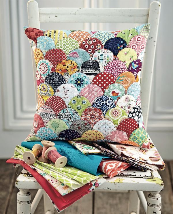Clam shell cushion cover
