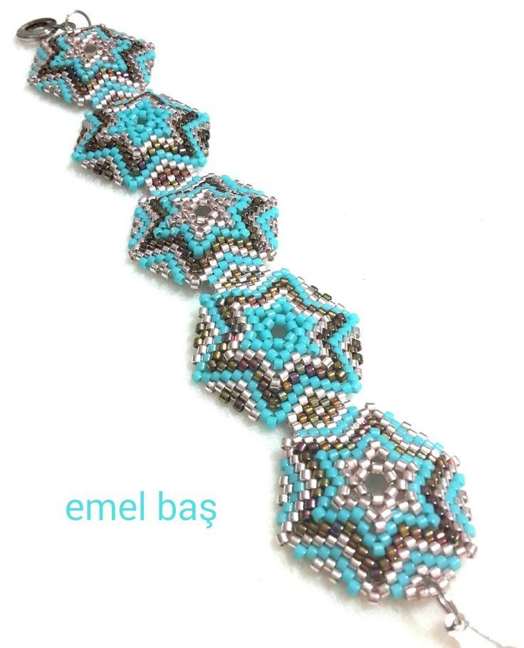 Hexagon peyote bracelet by Emel Bas from Turkey