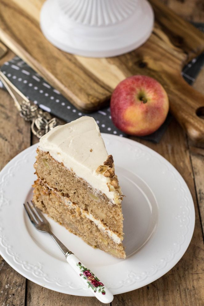 apple and cinnamon cake with cream cheese frosting