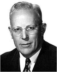 GREAT NORWEGIANS;  Earl Warren, Norwegian AmericanEarl Warren was born in Los Angeles, California in 1891. His father was a Norwegian immigrant who worked for the Southern Pacific Railroad, before being laid off. Warren worked his way through college, receiving a bachelor of laws degree from the University of California in 1912. The young   .Read more ...