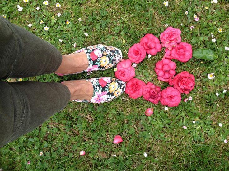 #flowers #spring #love #fashion  Alpargatas floreadas por 12,99 €