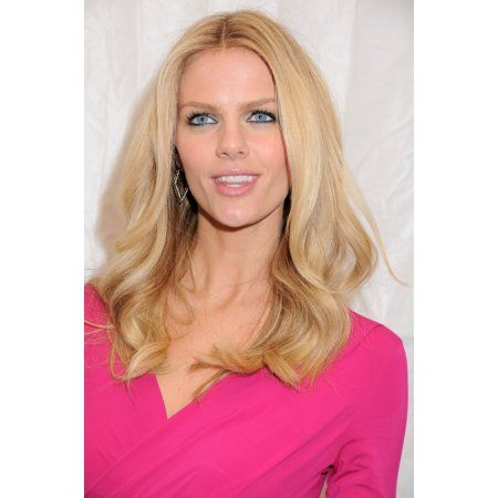 Brooklyn Decker In Attendance For Sports Illustrated 2010 Swimsuit Issue Launch Party Canvas Art - (16 x 20)