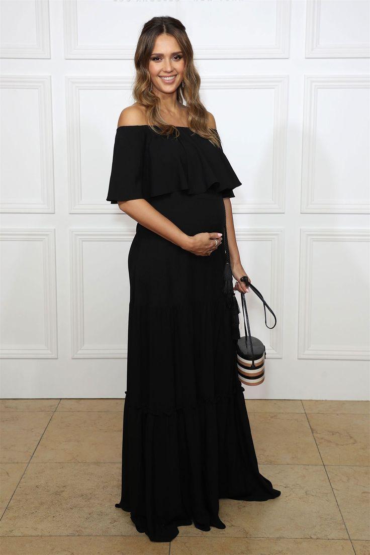 Джессика Альба вышла в свет впервые после объявления о беременности Актриса Джессика Альбаждет третьего ребенка от своего мужа Кэша Уоррена.