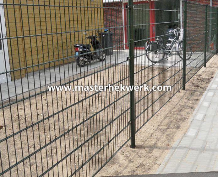 12 best images about tuinhekken metaal ijzer tuindeur metaal staal tuinhek poort on pinterest - Ijzer terras ...