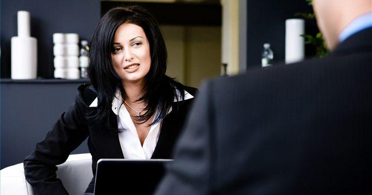 Cómo cancelar una entrevista de trabajo. Enviaste tu hoja de vida y tienes una cita cara a cara con base en tu experiencia de trabajo y tu presentación profesional. Ahora resulta que no puedes ir a la entrevista. Tal vez has cambiado de idea sobre el trabajo o te llamaron a otra entrevista de última hora con tu empleador de ensueño. Cualquiera sea la razón, tienes que cancelar la ...