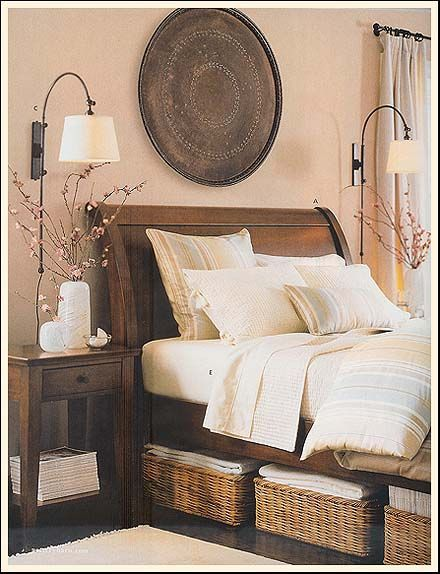 Baskets under the bed. We need under our bed to be a more productive use of space. ❤️ and those lamps!!!