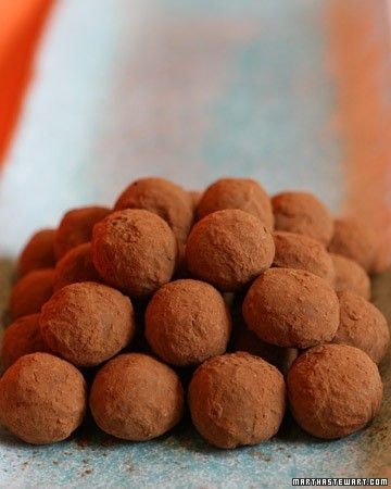 The citrusy bergamot flavor of Earl Grey tea perfumes the chocolate ganache at the center of these delicate truffles. They can be stored in the refrigerator for up to two weeks.