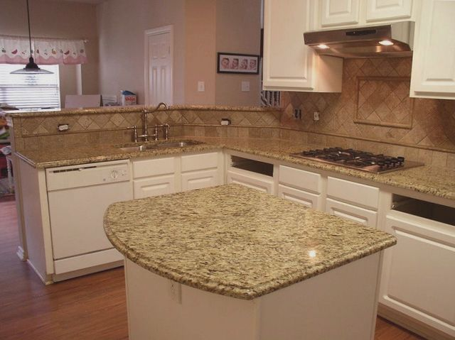 New Venetian Gold Granite Backsplash Ideas