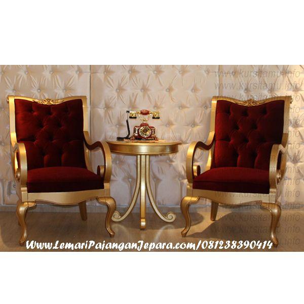 Jual Set Kursi Teras Emas Sofa Merah merupakan Jenis Furniture produk Jepara dengan desain yang mewah warna yang solid, model lain Kursi Teras Lengkung