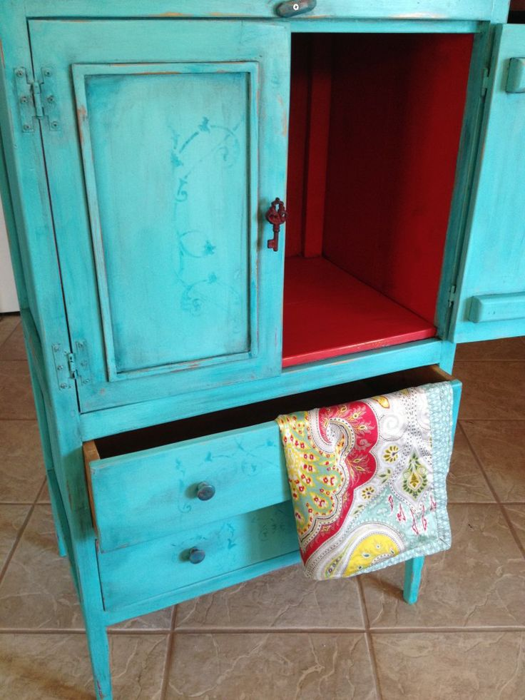 Another Turquoise And Red Hutch