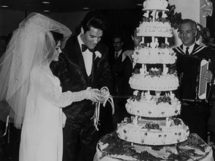 Torte nuziali: le wedding cake vintage delle star di Hollywood Elvis Presley e Priscilla - 1º maggio 1967