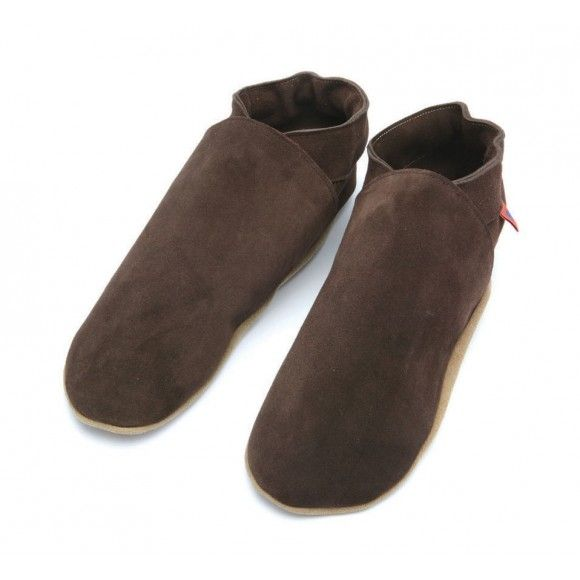 Mens Average Joe Chocolate Suede Slippers - Gifts for him at christmas > Made in UK http://www.madecloser.co.uk/clothes-accessories/footwear/triggerfish-chocolate-suede-slippers
