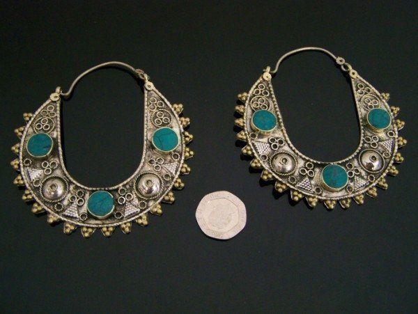 http://i00.i.aliimg.com/photo/v0/106072182/kuchi_tribe_jewellery_belly_dance_belt_chokers.jpg