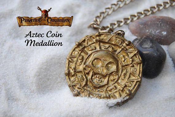 Medallón de Oro Azteca Piratas del caribe  Colgante piratas