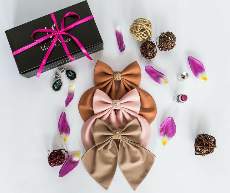 Women`s bow ties Luxury Collection with Swarovski crystals by Vania Szasz. #womensbowtie #bowsbyvaniaszasz