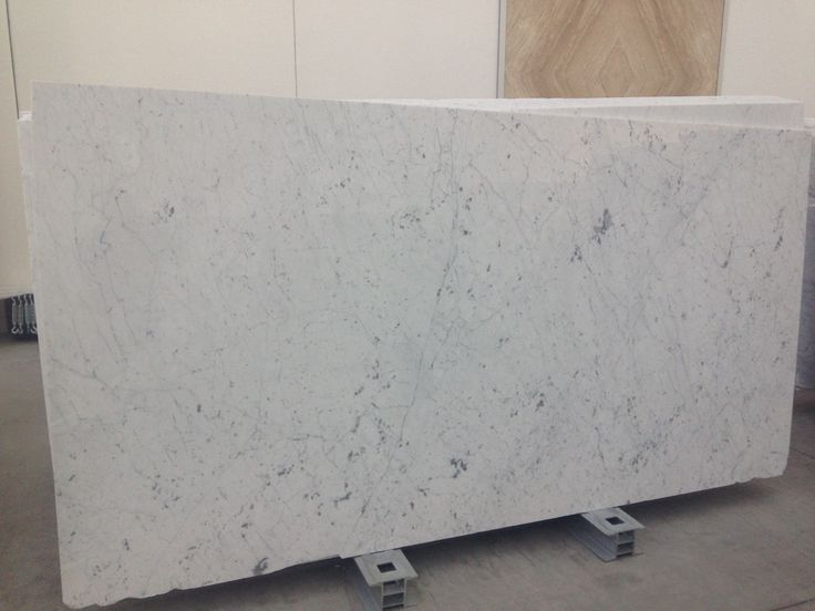 Statuarietto Carrara thin vein. Perfect for indoor applications: flooring, wall coverings, kitchen top, vanity top. Give value to your project.